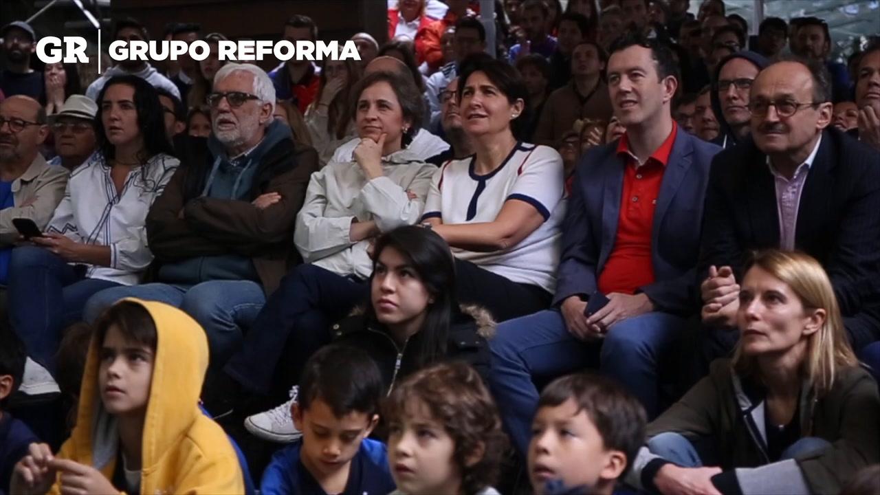 Video: Embajadora de francia en México festeja Título
