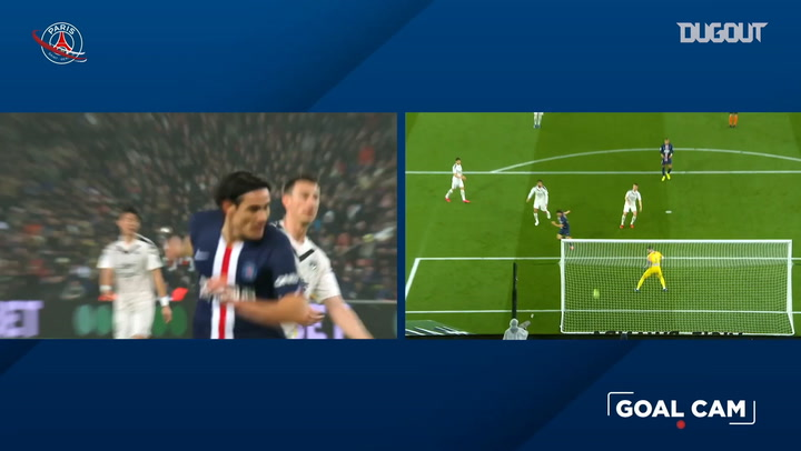 Edinson Cavani scores his 200th goal for PSG against Bordeaux