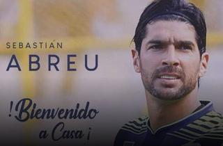 Oficial: 'Loco' Abreu es el nuevo técnico del Santa Tecla y también podrá jugar