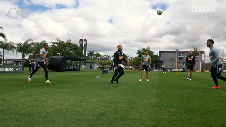 Corinthians complete the first training session of the week