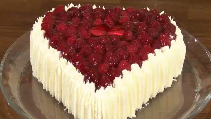 Hvordan lage hjertekake til fest