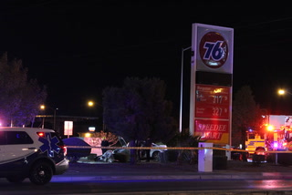 1 dead in central Las Vegas crash