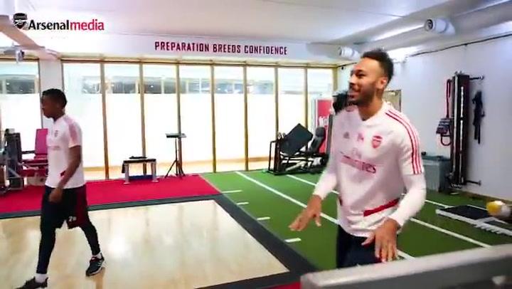 Aubameyang durante una sesión de gimnasio del Arsenal