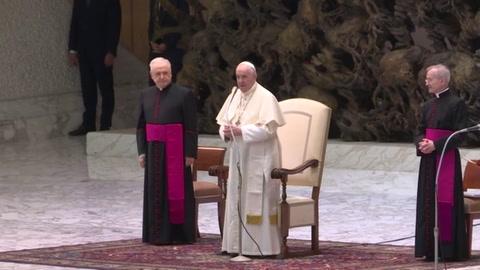 Papa Francisco denuncia esclavitud de las mujeres