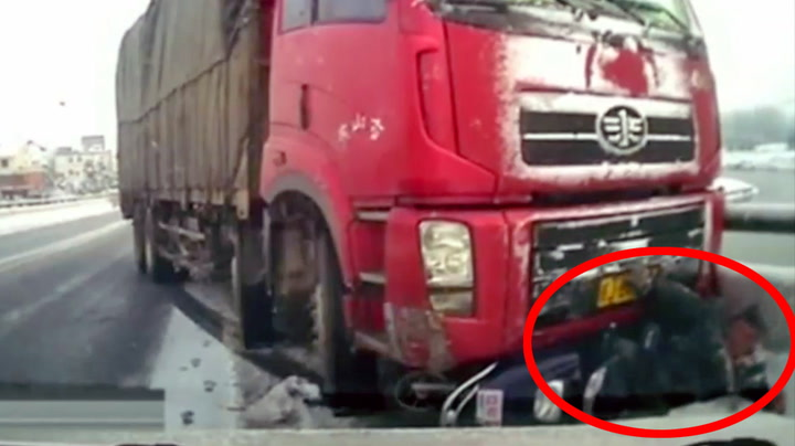 Mopedist slapp fra DETTE uten en skramme