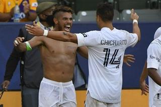 Chicharito y Dos Santos le dan el triunfo al Galaxy en el derbi contra Los Angeles FC