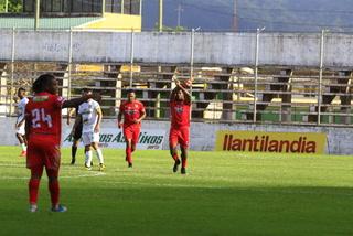 Real Sociedad está sorprendiendo a Platense con golazo de Franco Güity