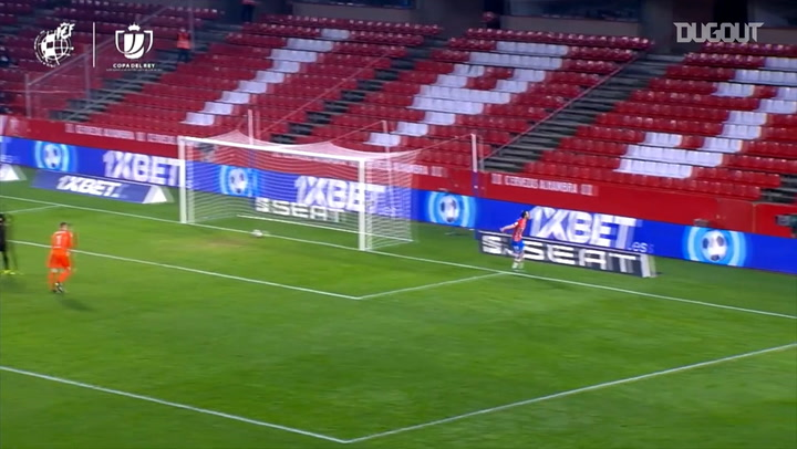 Soldado's counter attack goal vs FC Barcelona
