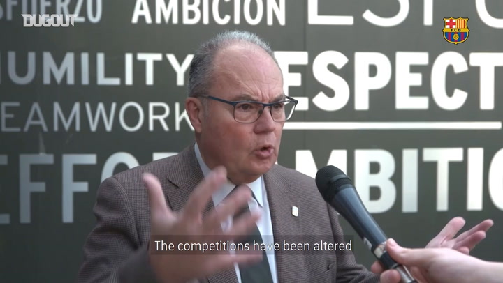 Dr. Antoni Trilla explains the recommendations to FC Barcelona