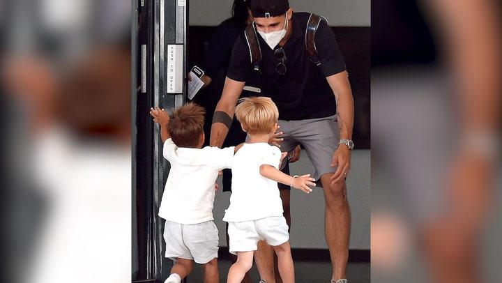 Las emocionantes imágenes del reencuentro de Álvaro Morata con su mujer y sus hijos tras la Eurocopa