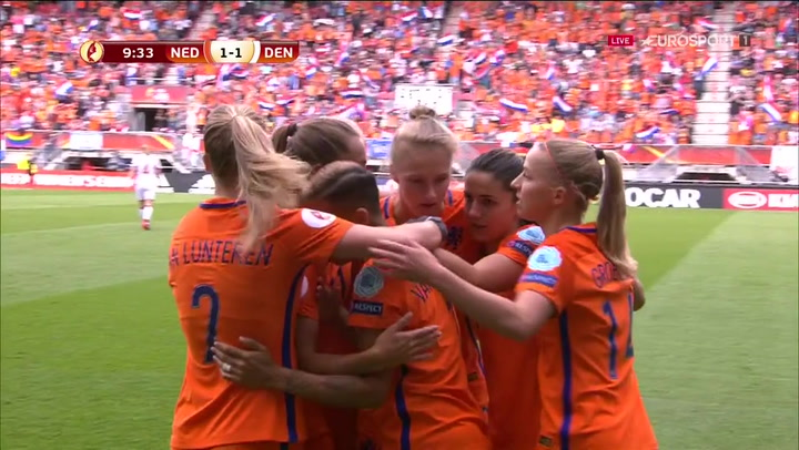Åh nej! Holland udligner til 1-1 i finalen mod Danmark