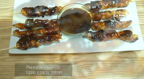 Cocinando con Mayte: Pinchos de pollo con tocino y salsa teriyaki