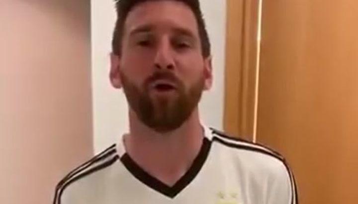 Messi manda un saludo al famoso gamer-streamer 'Coscu Army'
