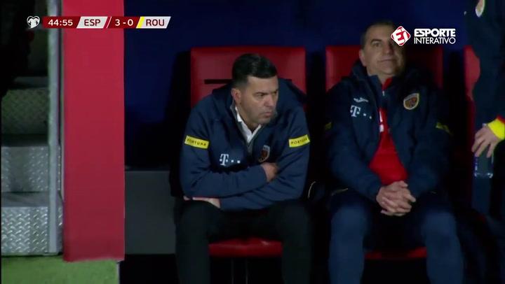 Gol de Adrián Rus en propia puerta en el España - Rumanía (4-0)