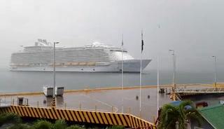 Llega a Honduras el crucero Sinfonía de los mares, el más grande del mundo