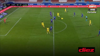 ¡Le anulan un gol al 'Choco' Lozano por posición adelantada!