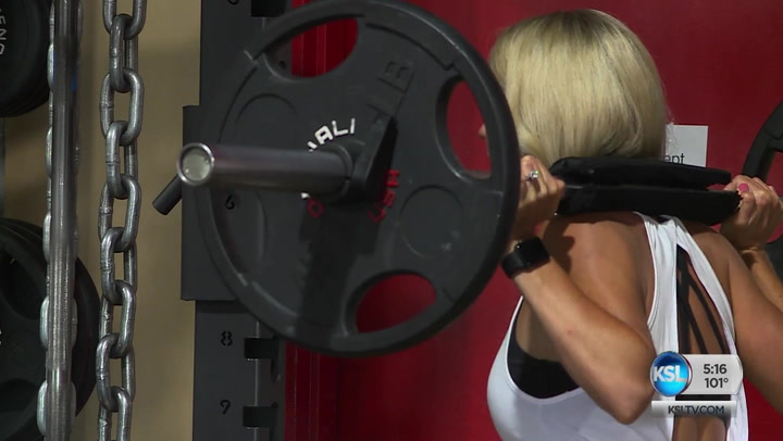 Why Women Should Start Picking Up Weights In The Gym