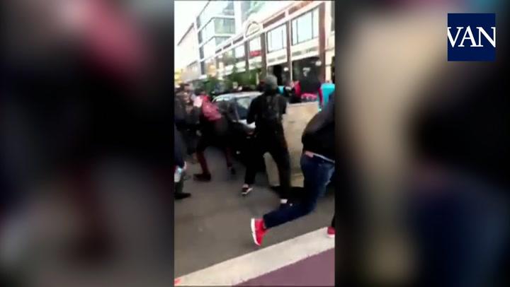 Un hombre embiste con su coche a un grupo de manifestantes en Seattle