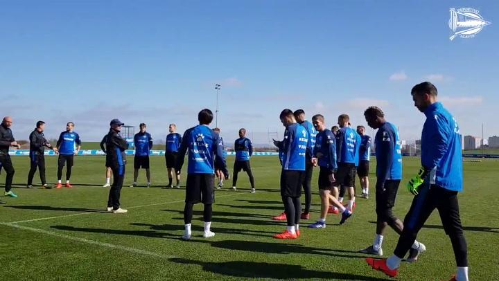 Entreno del Alavés antes de recibir al Huesca
