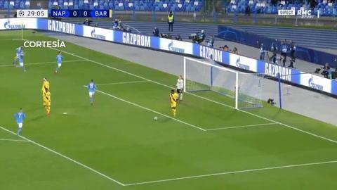 El golazo de Mertens que abrió el marcador en el Napoli - Barcelona