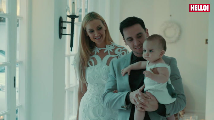 Coronation Street\'s Catherine Tyldesley is radiant in her family winter wonderland photoshoot.mp4