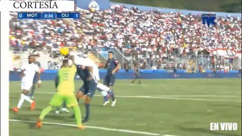 Ever Alvarado abre el marcador para Olimpia ante Motagua