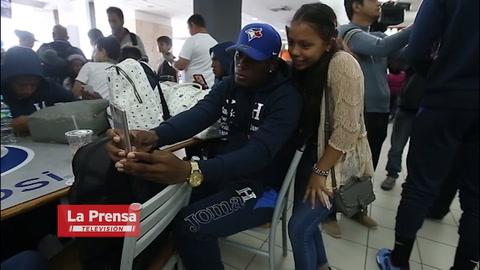 Selección de Honduras viajó motivada a Chile
