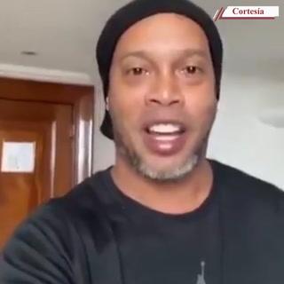 Ronaldinho anunció en las redes sociales que ha dado positivo al covid-19
