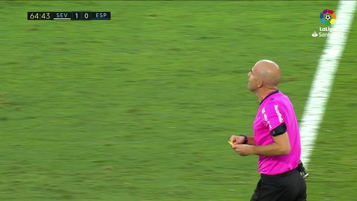 Así fue la roja de Delaney... tras aplaudir al árbitro de forma sarcástica