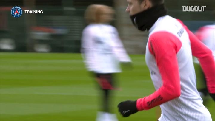 Paris Saint-Germain's last training session before Nîmes