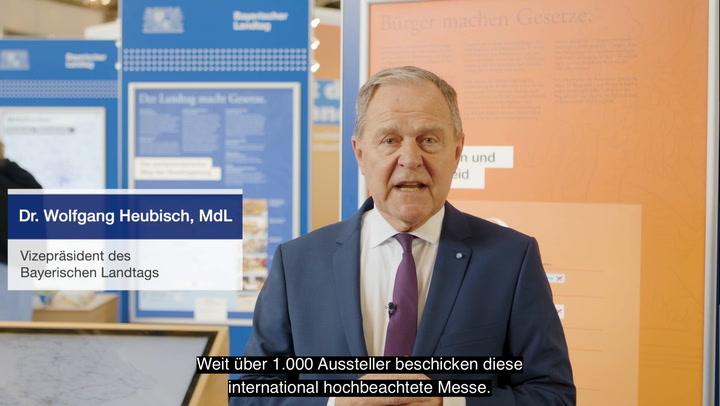 Vizepräsident Dr. Wolfgang Heubisch vom Messestand des Bayerischen Landtags auf der IHM