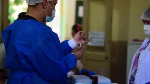 La OPS recomienda seguir aplicando vacunas anticovid de AstraZeneca