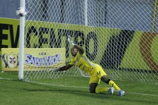 ¡Platense falla lanzamiento penal y desaprovecha la oportunidad de ponerse adelante en el marcador!