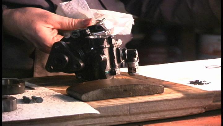 The American Garage Minute- How to repair a power steering pump