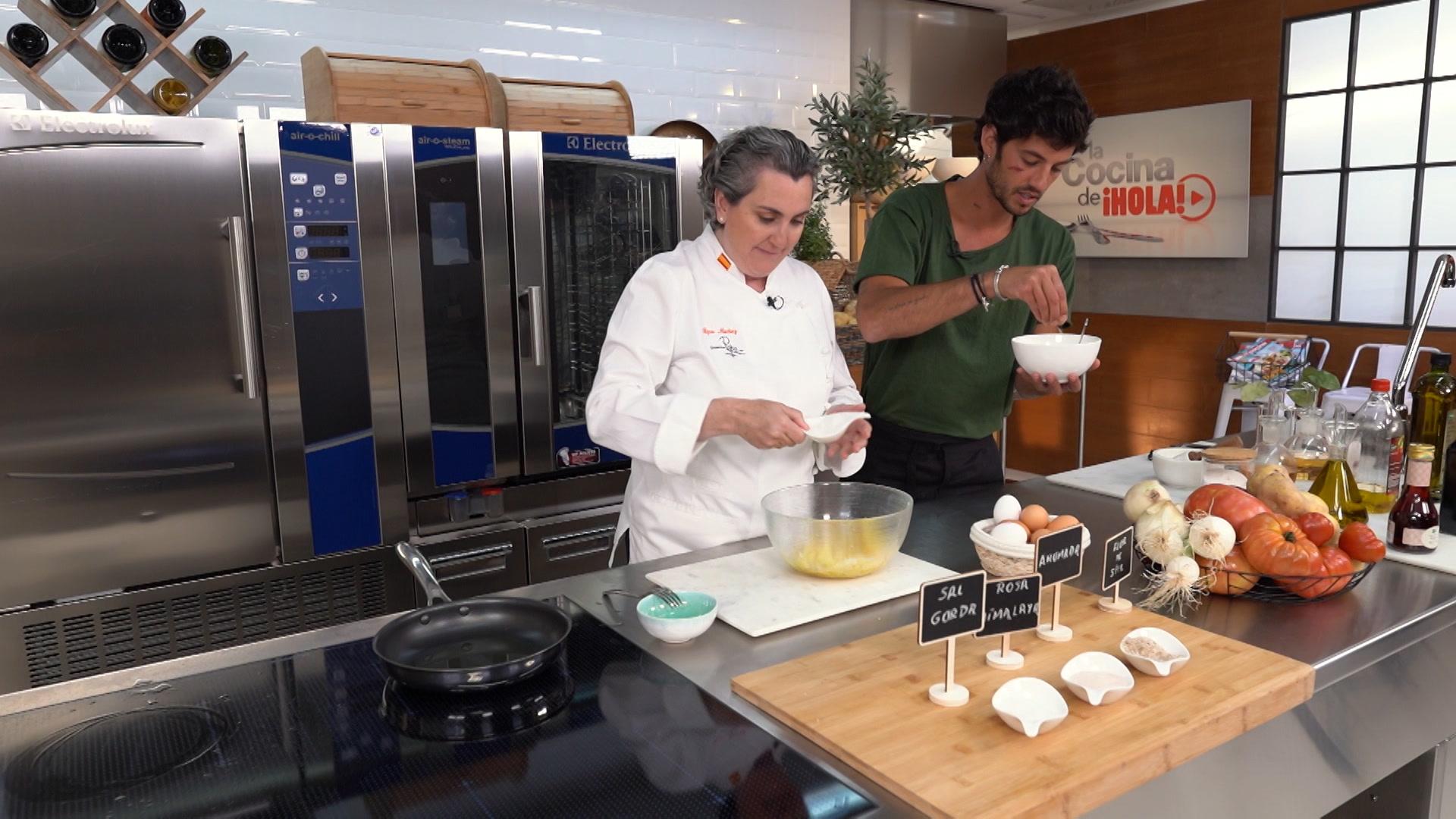 Cómo hacer una jugosa tortilla de patata 'de toda la vida'