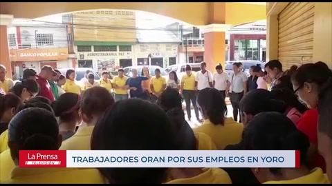 Empleados oran para no perder sus empleos en Yoro