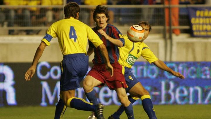 Así jugó Lionel Messi ante el Cádiz en la temporada 2005-06