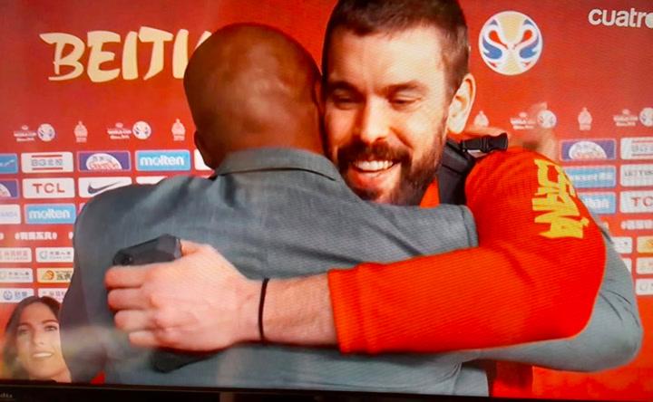 Kobe Bryant felicita a Marc Gasol por su partido ante Australia