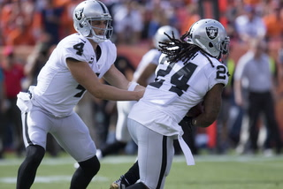 Vegas Nation: Derek Carr Expected to Play Against Chargers