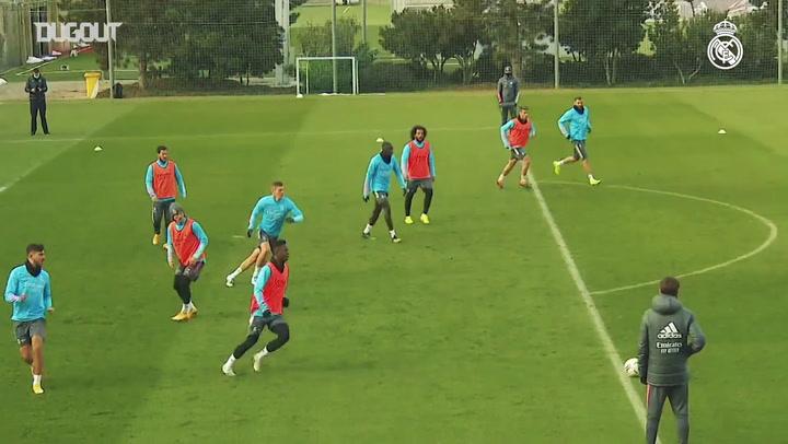 Sem Zidane, brasileiros se destacam em treino do Real Madrid