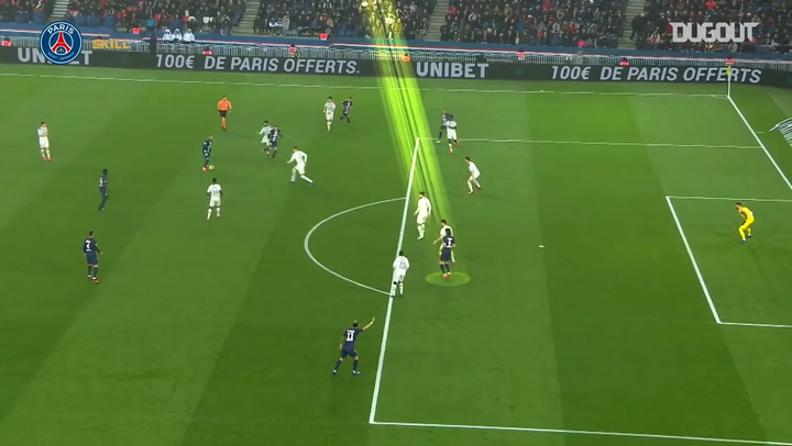 Edinson Cavani's stunning madjer against Bordeaux