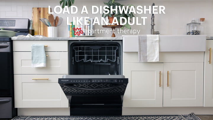 How To Load A Dishwasher Like An Adult