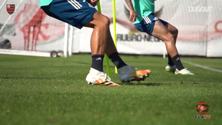Com Rafinha em campo, Fla segue preparação para Brasileiro
