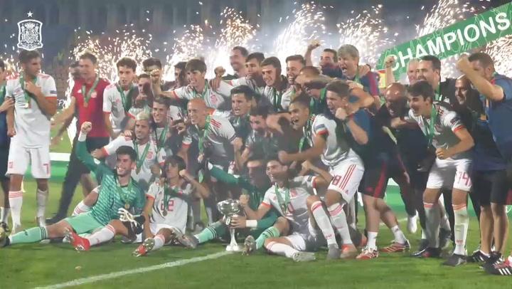 La Sub-19 celebra el título de campeona de Europa