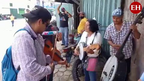 Sonora Musical, el conjunto que trae la cumbia a la capital