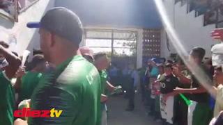 Así fue el increíble recibimiento a Atlético Pinares en su arribo al estadio en Ocotepeque