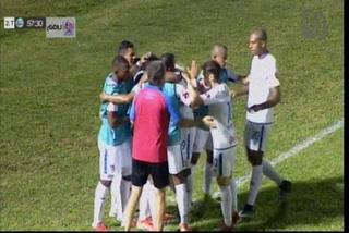 Jorge Benguché anota el 3 - 0 de Olimpia ante Vida
