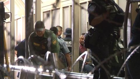 EEUU cierra puente fronterizo por llegada de indocumentados