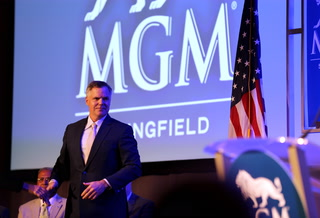 Chairman, CEO of MGM Resorts Jim Murren stepping down – VIDEO