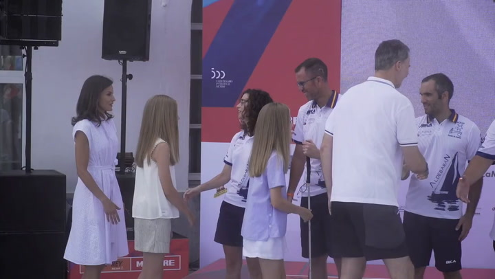 La familia real visita la Copa del Rey Mapfre de vela en Palma